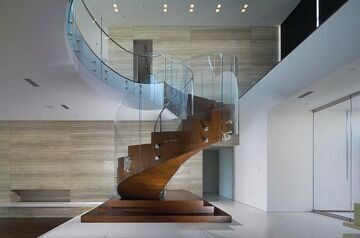 Spiral-staircase-in-wood-and-glass