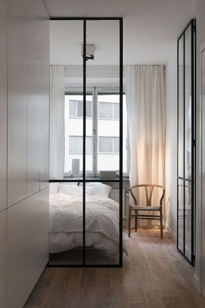 17-best-ideas-about-glass-walls-on-pinterest-black-rug-inexpensive-glass-designs-for-walls-684x1024